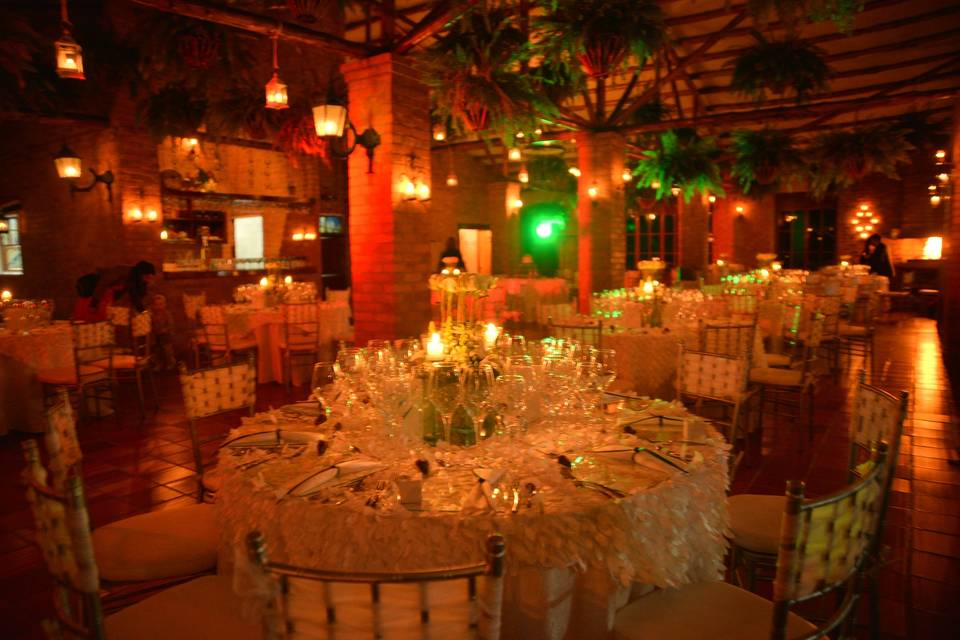 Salón interior en la noche