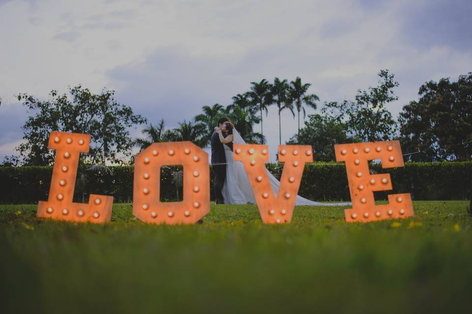 Love y más love